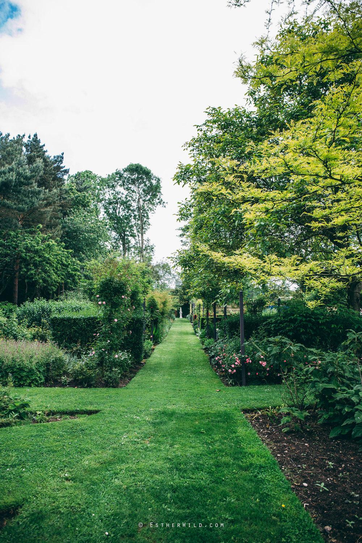 Norfolk_Wedding_Photographer_Mannington_Hall_Country_Esther_Wild_0160.jpg