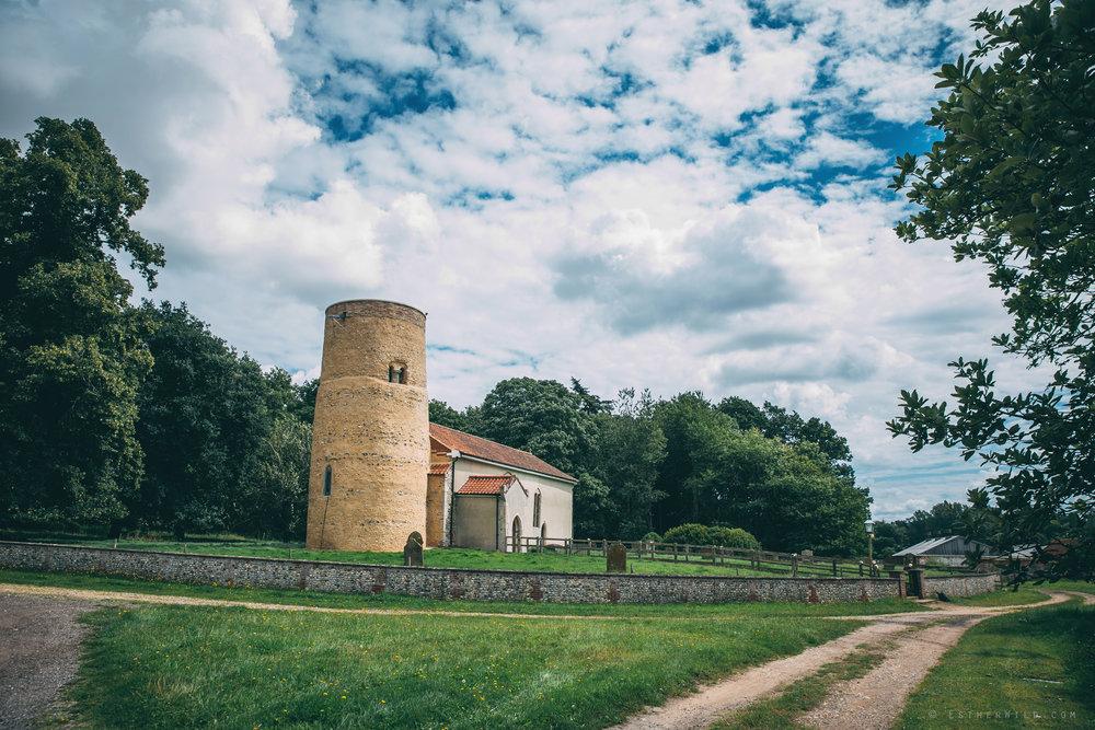Norfolk_Wedding_Photographer_East_Lexham_RathskellarIMG_0043.jpg