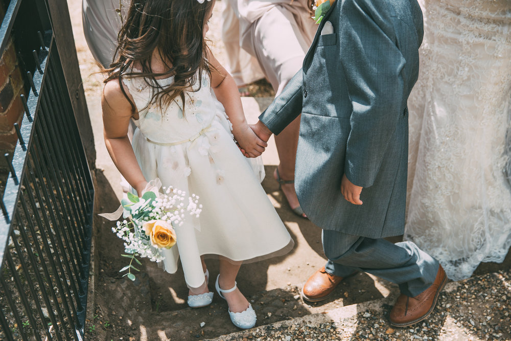 Norfolk_Wedding_Photographer_East_Lexham_RathskellarIMG_0332.jpg