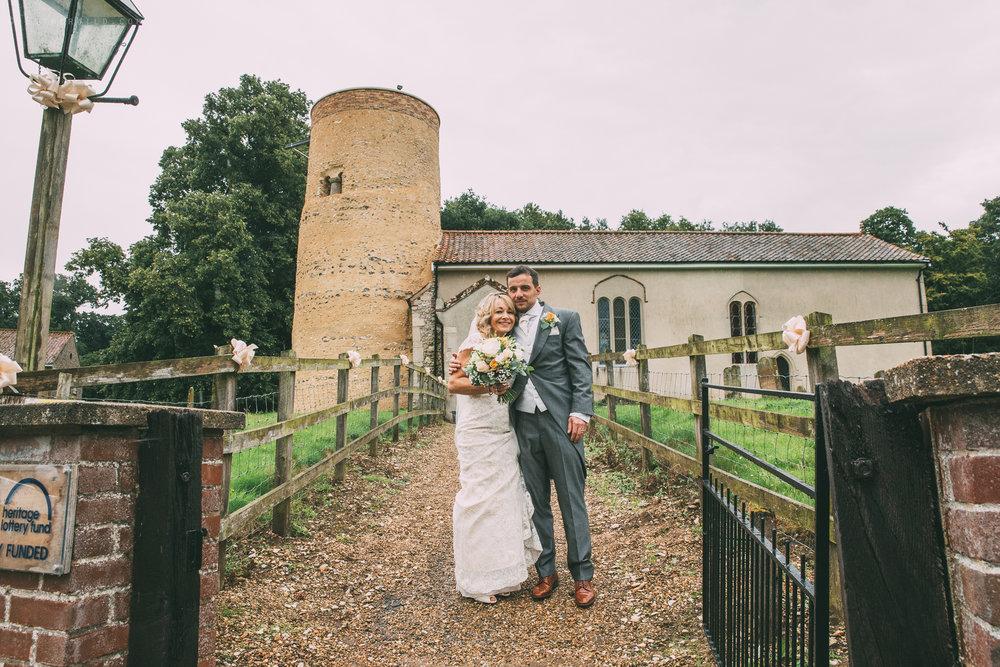 Norfolk_Wedding_Photographer_East_Lexham_RathskellarIMG_0836.jpg