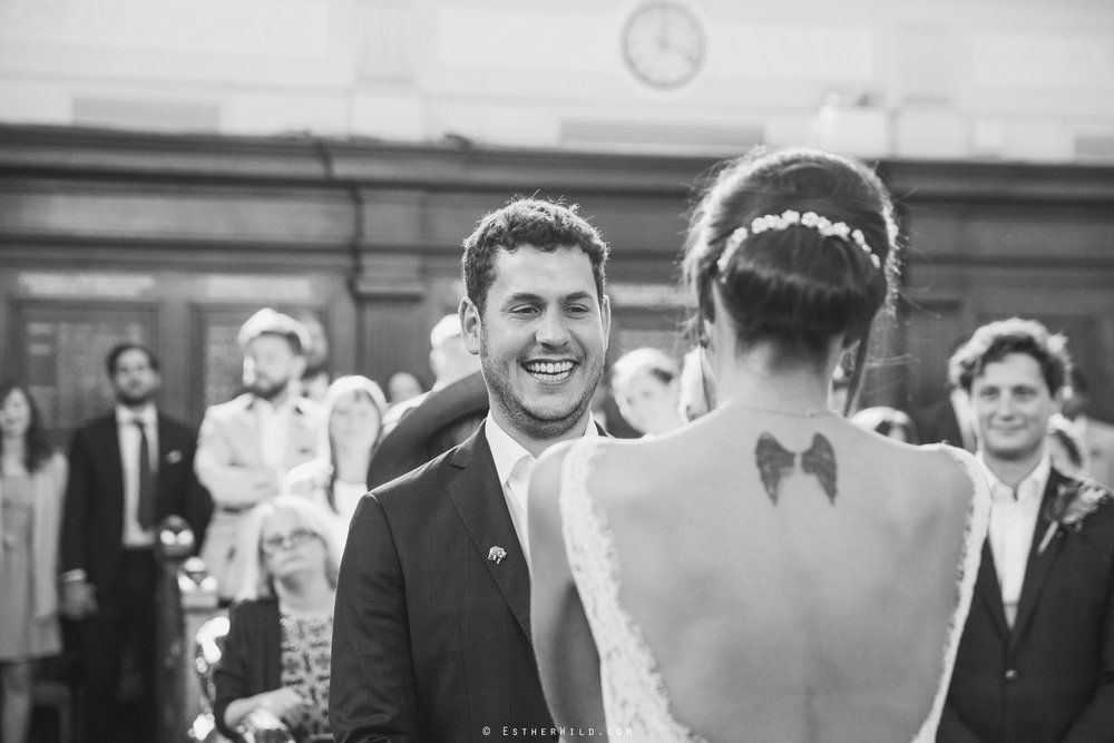 Islington_Town_Hall_Wedding_London_Photographer_Esther_Wild_IMG_4862-1.jpg