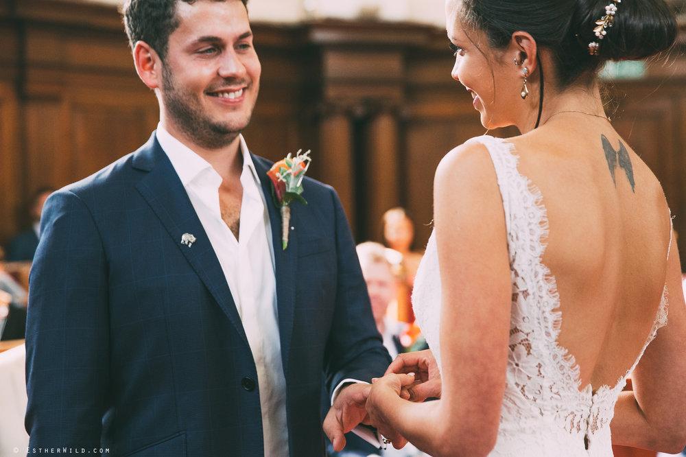 Islington_Town_Hall_Wedding_London_Photographer_Esther_Wild_IMG_4897.jpg