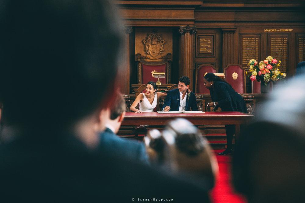 Islington_Town_Hall_Wedding_London_Photographer_Esther_Wild_IMG_4978.jpg