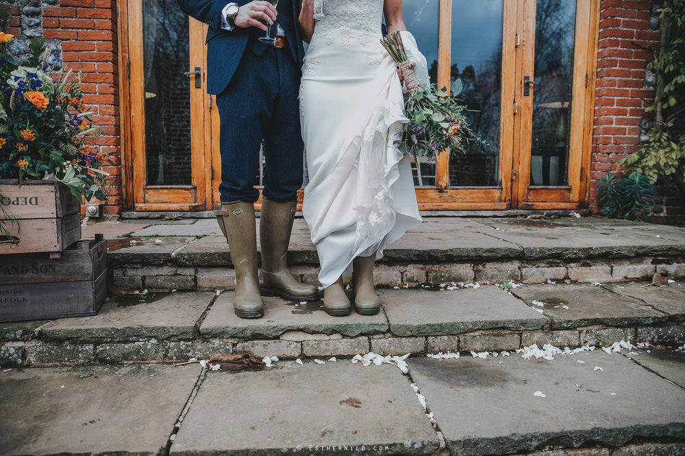 1117_Chaucer_Barn_Wedding_Photography_Esther_Wild_Norfolk_Photographer_IMG_0951.jpg