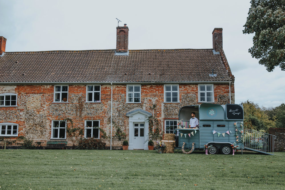 Norfolk_Wedding_Esther_Wild_Little_Horse_Box_IMG_2550.jpg
