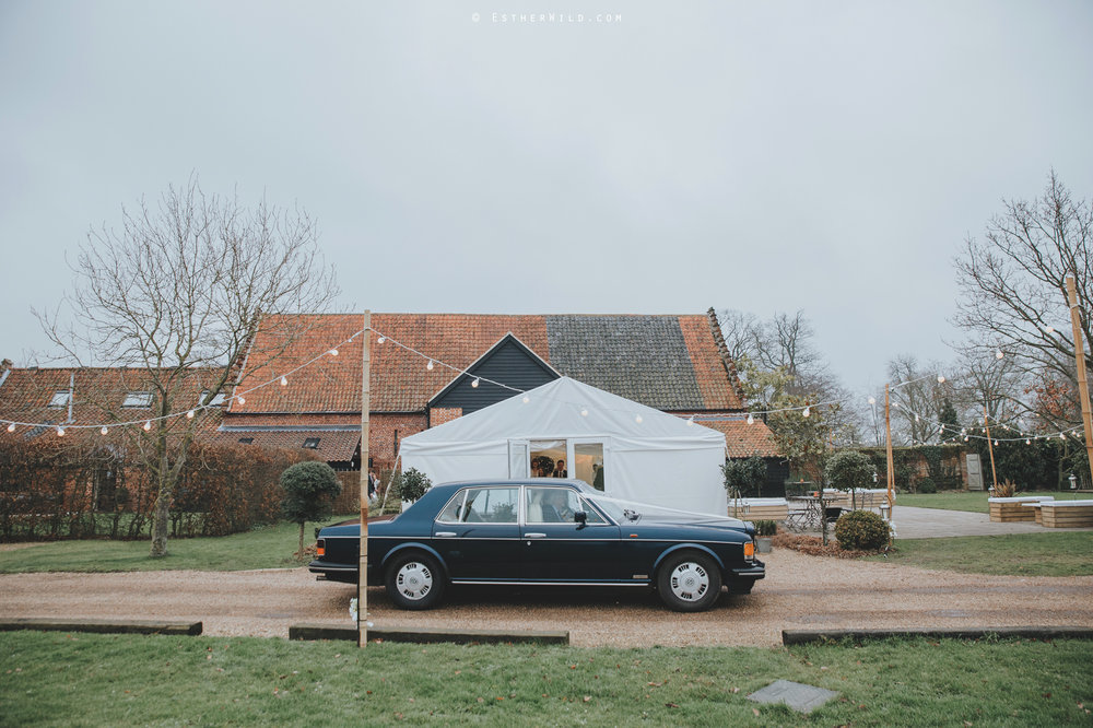 Elms_Barn_Weddings_Suffolk_Photographer_Copyright_Esther_Wild_IMG_1012.jpg
