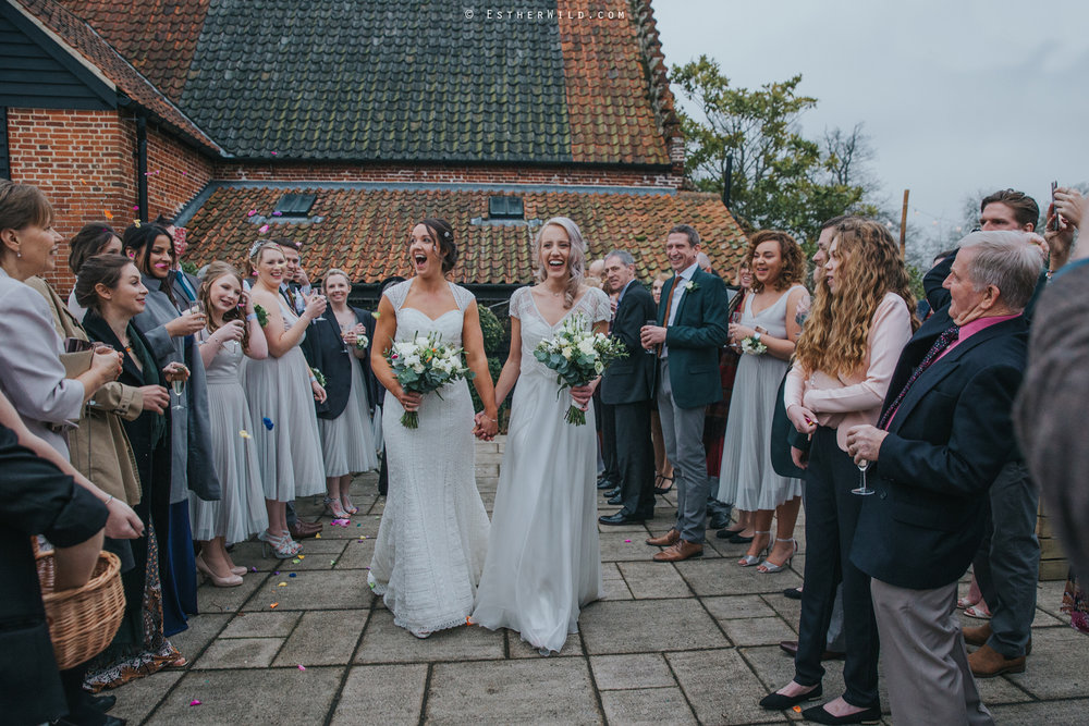 Elms_Barn_Weddings_Suffolk_Photographer_Copyright_Esther_Wild_IMG_1475.jpg