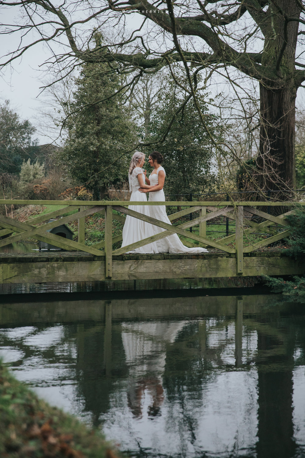 Elms_Barn_Weddings_Suffolk_Photographer_Copyright_Esther_Wild_IMG_1978.jpg