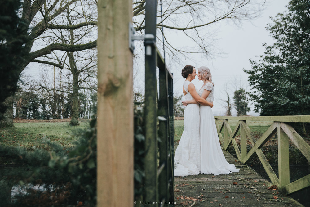 Elms_Barn_Weddings_Suffolk_Photographer_Copyright_Esther_Wild_IMG_2029.jpg