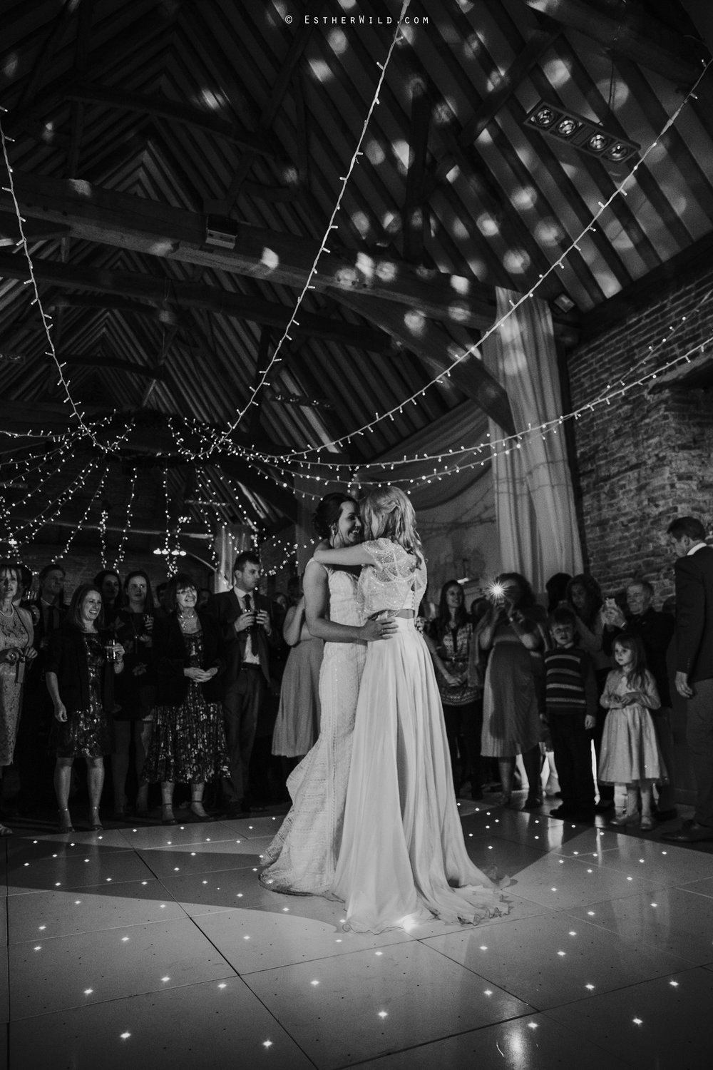 Elms_Barn_Weddings_Suffolk_Photographer_Copyright_Esther_Wild_IMG_3372-2.jpg