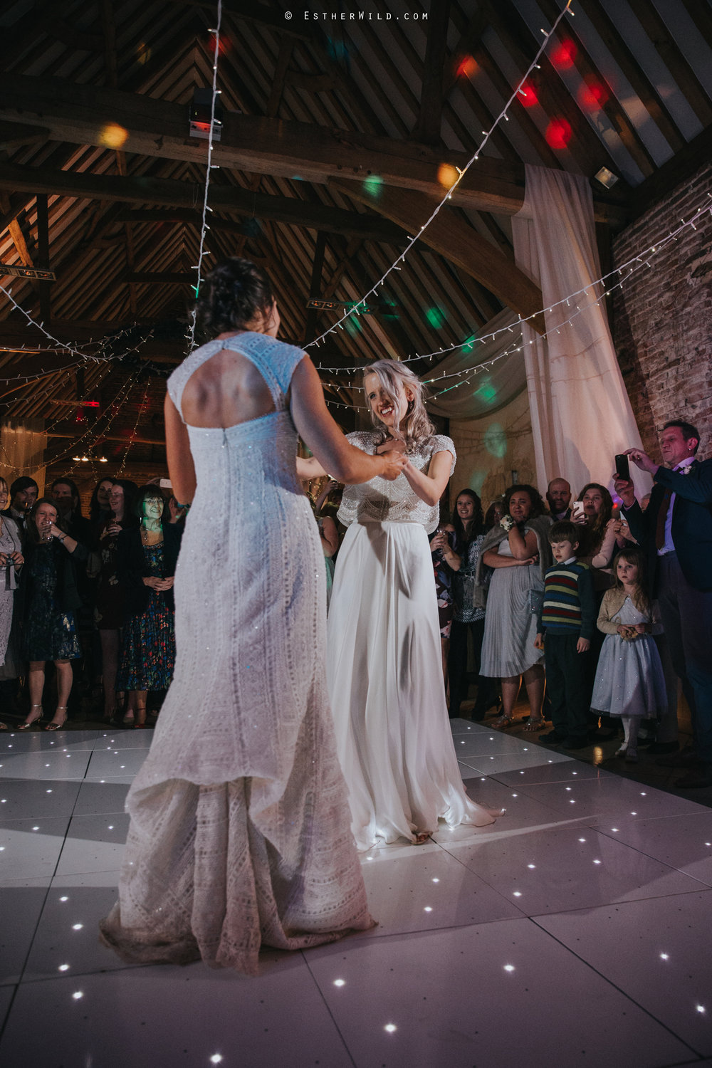 Elms_Barn_Weddings_Suffolk_Photographer_Copyright_Esther_Wild_IMG_3381.jpg