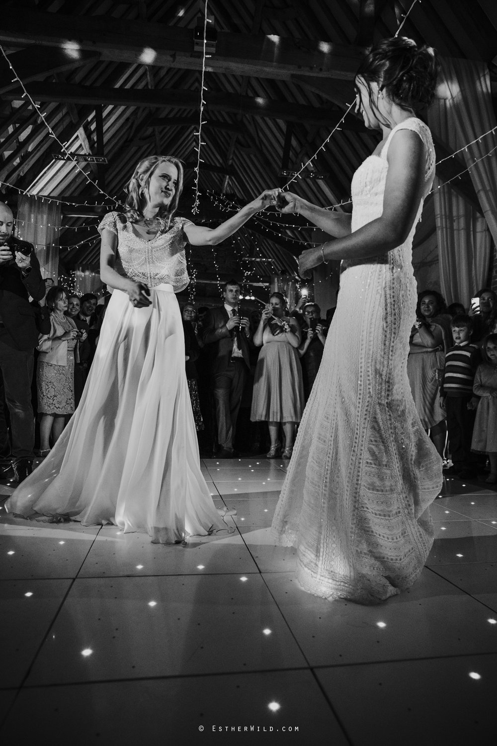 Elms_Barn_Weddings_Suffolk_Photographer_Copyright_Esther_Wild_IMG_3417-2.jpg