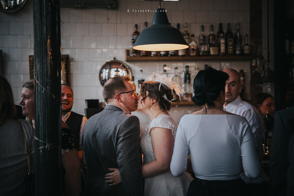 Islington_Town_Hall_Assembly_Hall_Council_Chamber_The_Star_Pub_London_Sacred_Wedding_Copyright_Esther_Wild_Photographer_IMG_1539.jpg