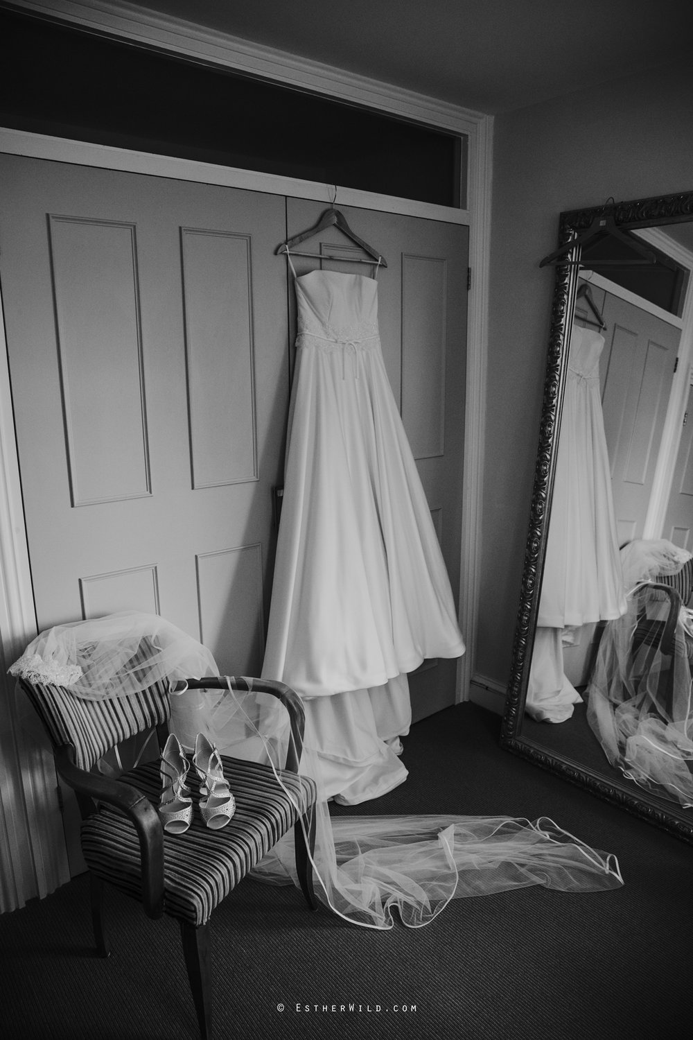 The_BoatHouse_Wedding_Venue_Ormesby_Norfolk_Broads_Boat_Wedding_Photography_Esther_Wild_Photographer_IMG_0051-2.jpg