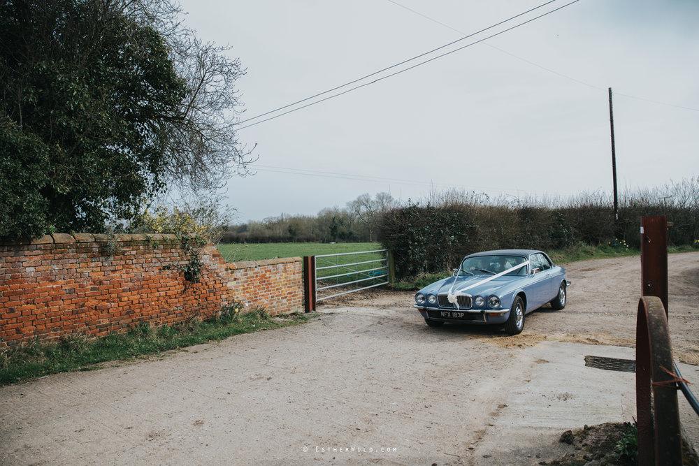 Glebe_Farm_Barn_Rustic_Norfolk_Wedding_Esther_Wild_Photographer_Copyright_IMG_1539.jpg