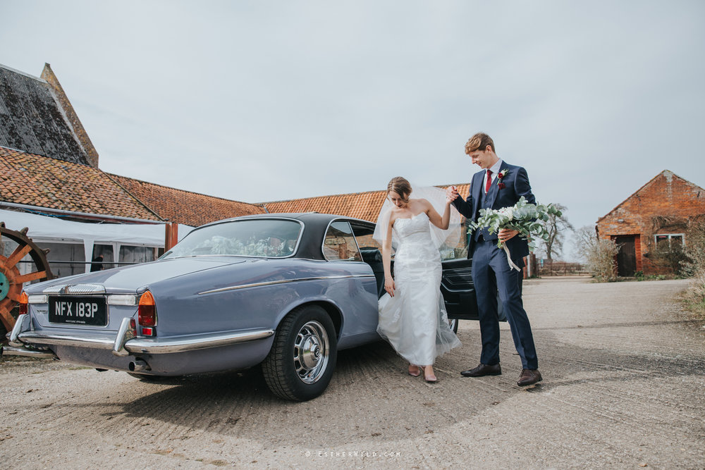Glebe_Farm_Barn_Rustic_Norfolk_Wedding_Esther_Wild_Photographer_Copyright_IMG_1558.jpg