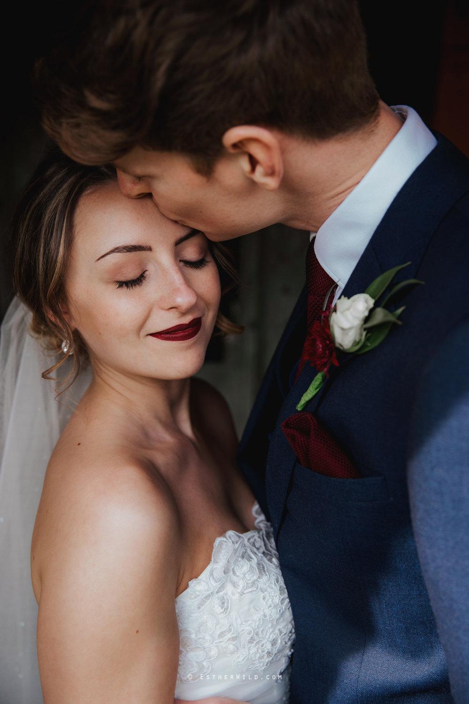 Glebe_Farm_Barn_Rustic_Norfolk_Wedding_Esther_Wild_Photographer_Copyright_IMG_1611.jpg