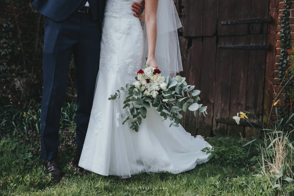 Glebe_Farm_Barn_Rustic_Norfolk_Wedding_Esther_Wild_Photographer_Copyright_IMG_1675.jpg