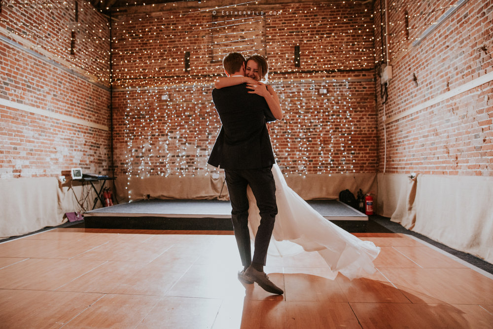 Glebe_Farm_Barn_Rustic_Norfolk_Wedding_Esther_Wild_Photographer_Copyright_IMG_2852.jpg