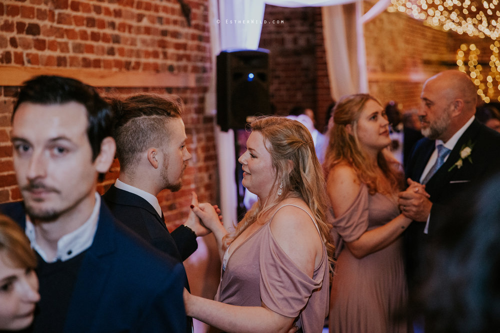 Glebe_Farm_Barn_Rustic_Norfolk_Wedding_Esther_Wild_Photographer_Copyright_IMG_2921.jpg