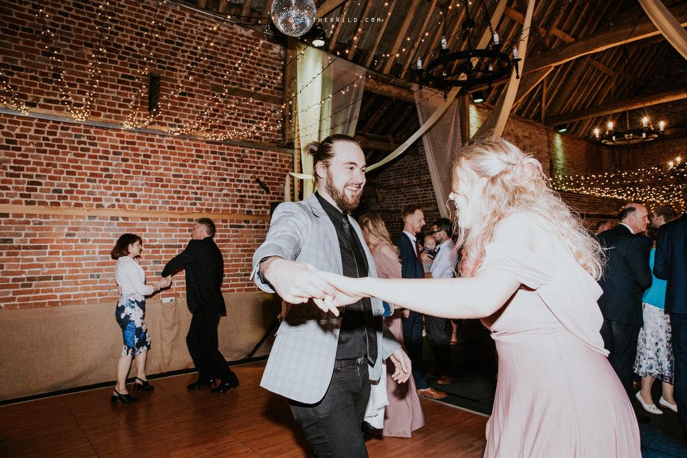 Glebe_Farm_Barn_Rustic_Norfolk_Wedding_Esther_Wild_Photographer_Copyright_IMG_3008.jpg