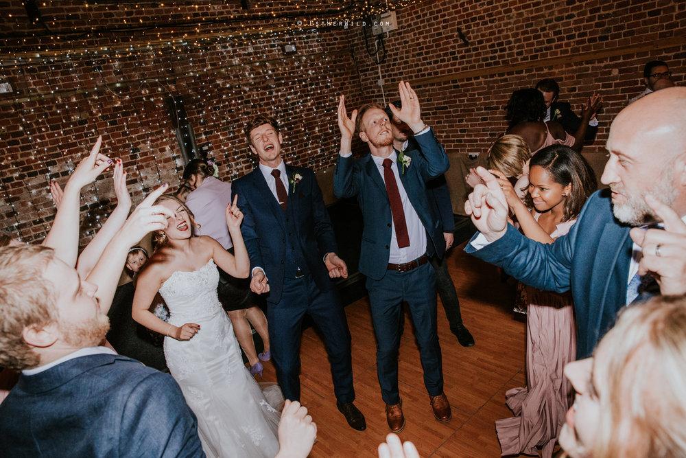 Glebe_Farm_Barn_Rustic_Norfolk_Wedding_Esther_Wild_Photographer_Copyright_IMG_2957.jpg