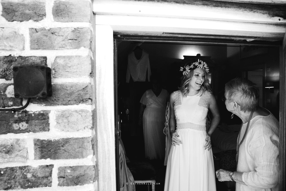 IMG_0394-2Cley_Barn_Drift_Norfolk_Coast_Wedding_Copyright_Esther_Wild_Photographer_.jpg