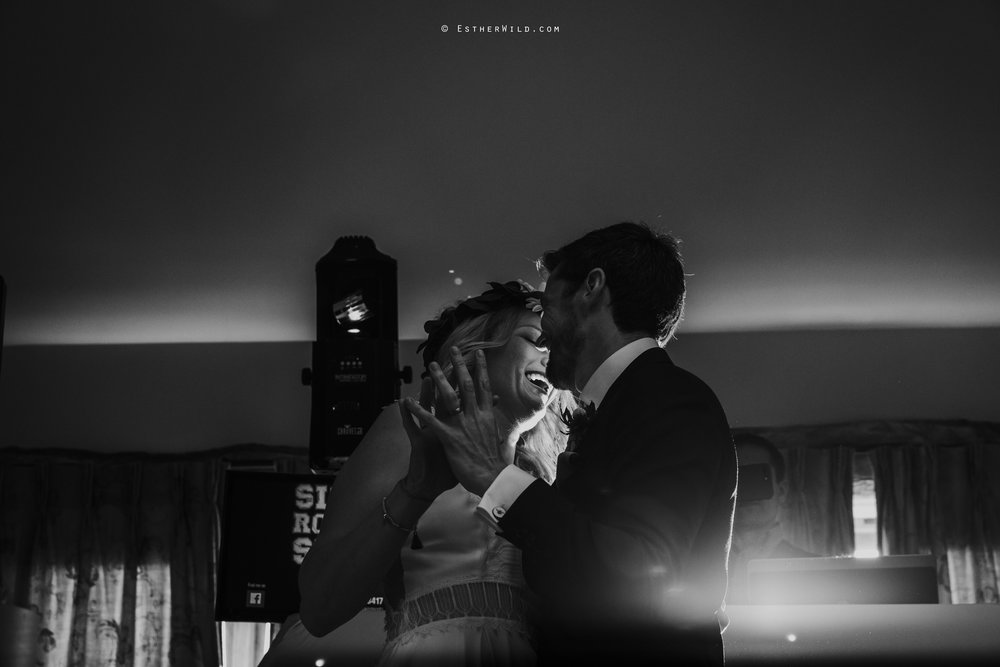 IMG_2207Cley_Barn_Drift_Norfolk_Coast_Wedding_Copyright_Esther_Wild_Photographer_.jpg