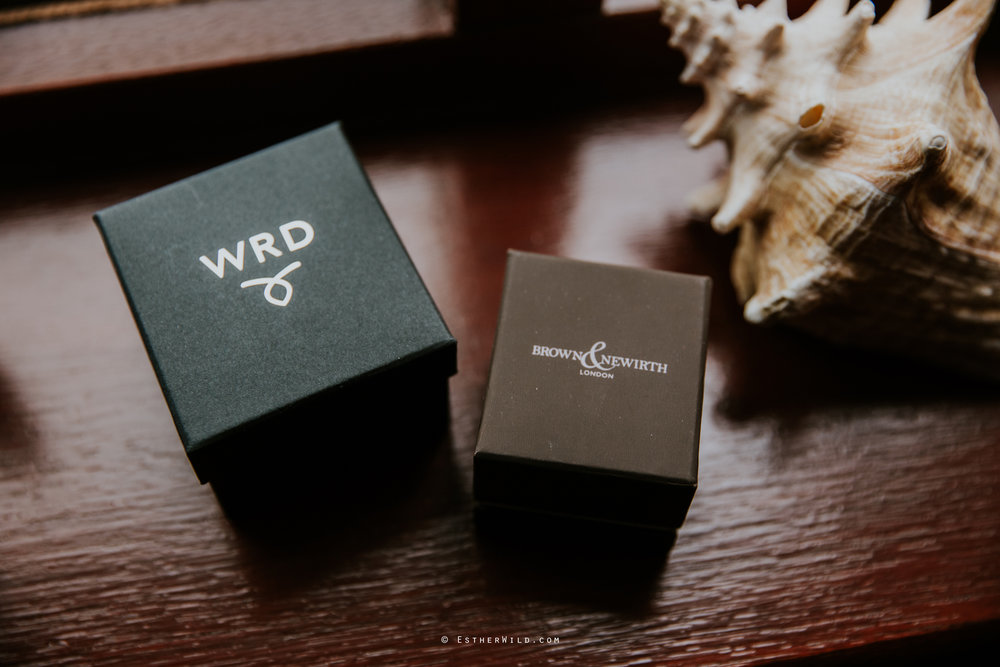 Wootton_Wedding_Copyright_Esther_Wild_Photographer_IMG_0285.jpg