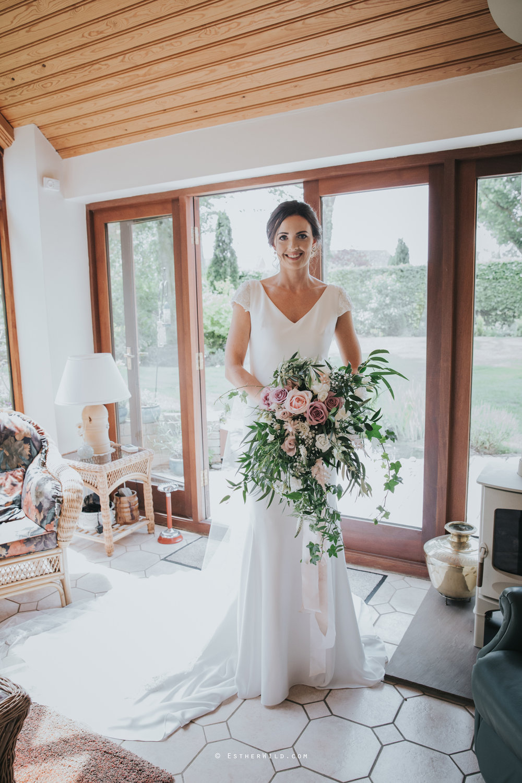 Wootton_Wedding_Copyright_Esther_Wild_Photographer_IMG_0674.jpg