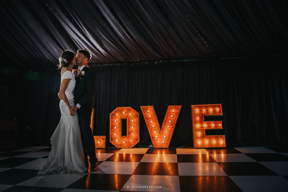 Wootton_Wedding_Copyright_Esther_Wild_Photographer_IMG_3145.jpg