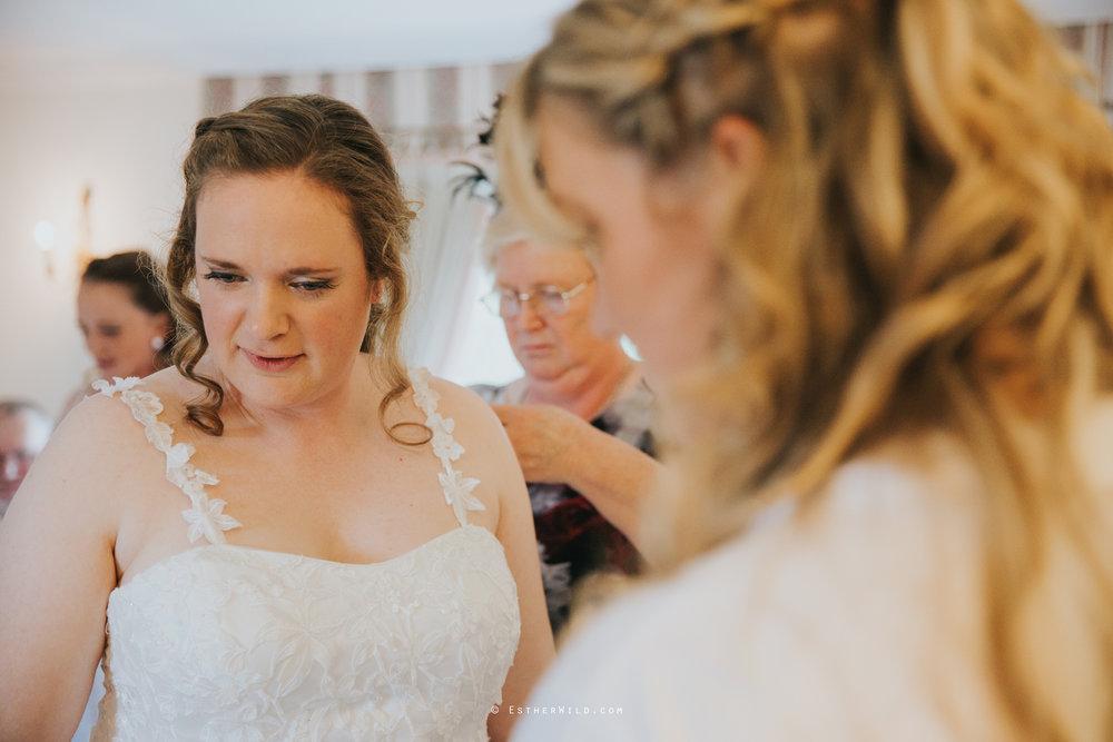 Old_Hall_Ely_Wedding_Esther_Wild_Photographer_IMG_0687.jpg