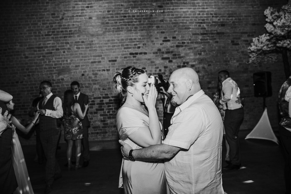 Kimberley_Hall_Wedding_Norfolk_Photography_Esther_Wild_IMG_2425-2.jpg
