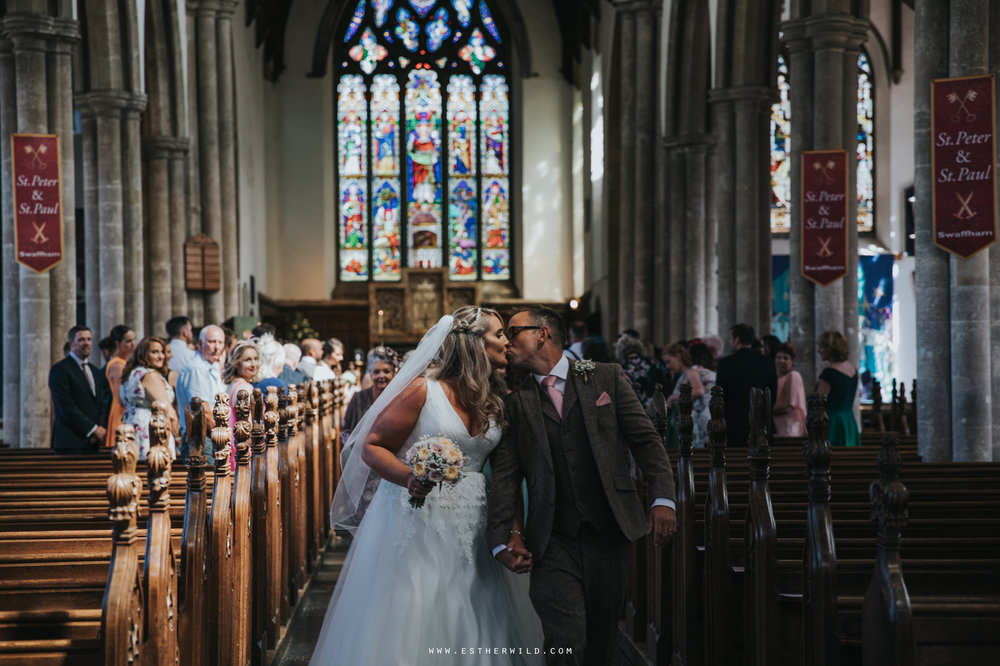 Swaffham_Wedding_Castle_Acre_Norfolk_Esther_Wild_Photographer_Wedding_Photography_3R8A0931.jpg