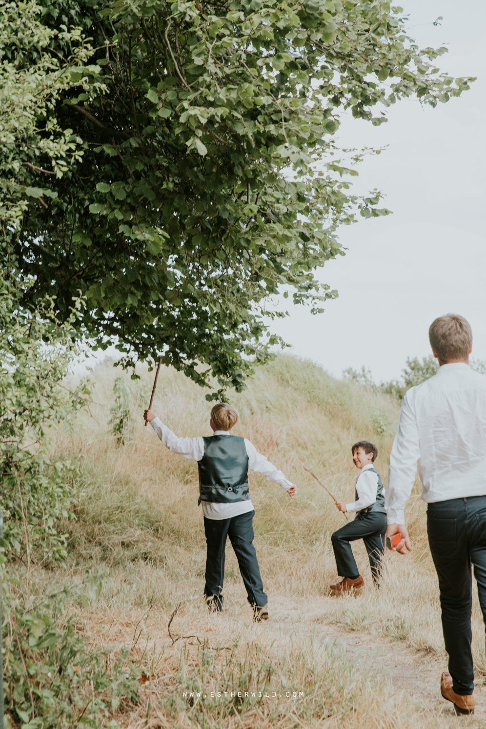 Swaffham_Wedding_Castle_Acre_Norfolk_Esther_Wild_Photographer_Wedding_Photography_3R8A2041.jpg
