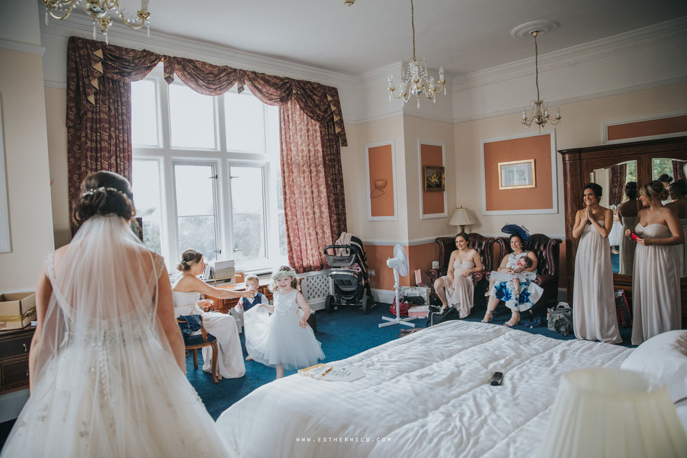 Lynford_Hall_Wedding_Thetford_Mundford_Esther_Wild_Photographer_IMG_1014.jpg