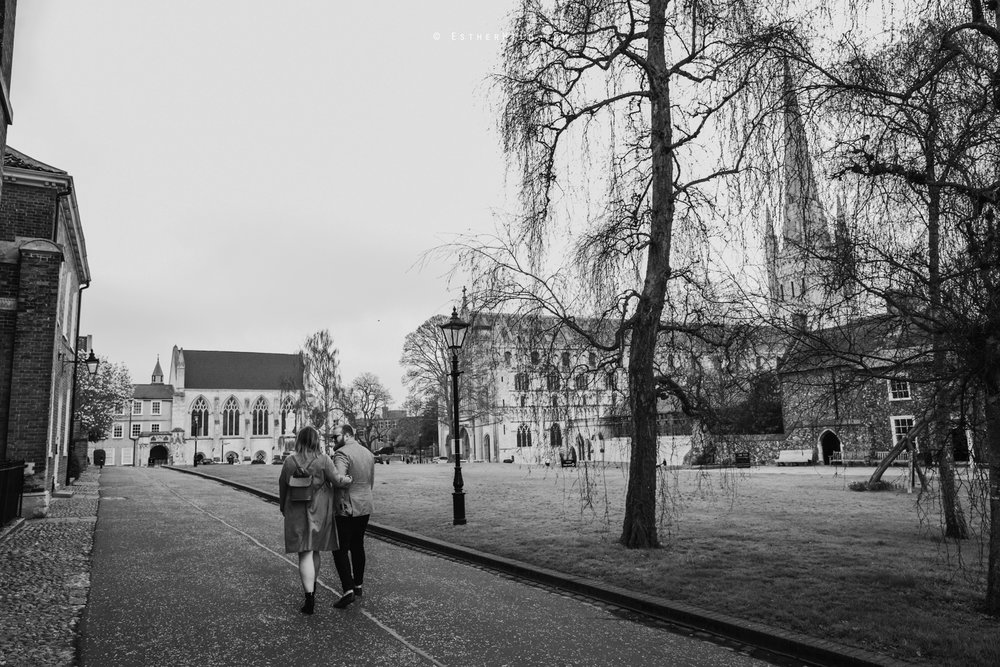 Norwich_Cathedral_Photo_Session_Engagement_Love_Pre-Wedding_IMG_3516-1.jpg