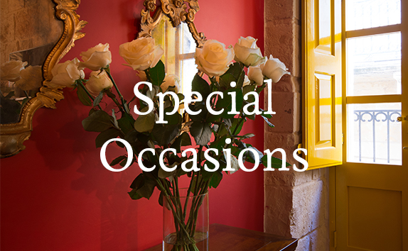 Planning on celebrating a unique occasion or anniversary? We may arrange for fresh flowers, fine chocolates, fresh fruit baskets or any other personal request to be placed within your suite to add a special touch to a special day.