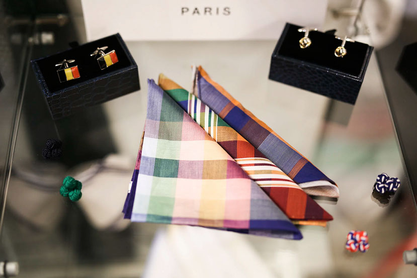 JAGGS_chemise_sur_mesure_costume_sur_mesure_Belgique_waterloo_bruxelles_Jaggs-by-JVP-pochette-boutons-de-manchette-Belgique.jpg