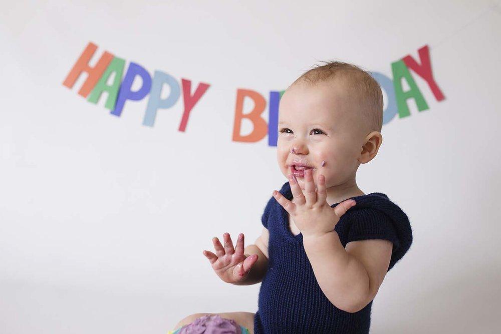 baby-boy-first-birthday-cake-smash-photography-ideas-and-inspiration-toronto-photographer-rainbow-colour-theme
