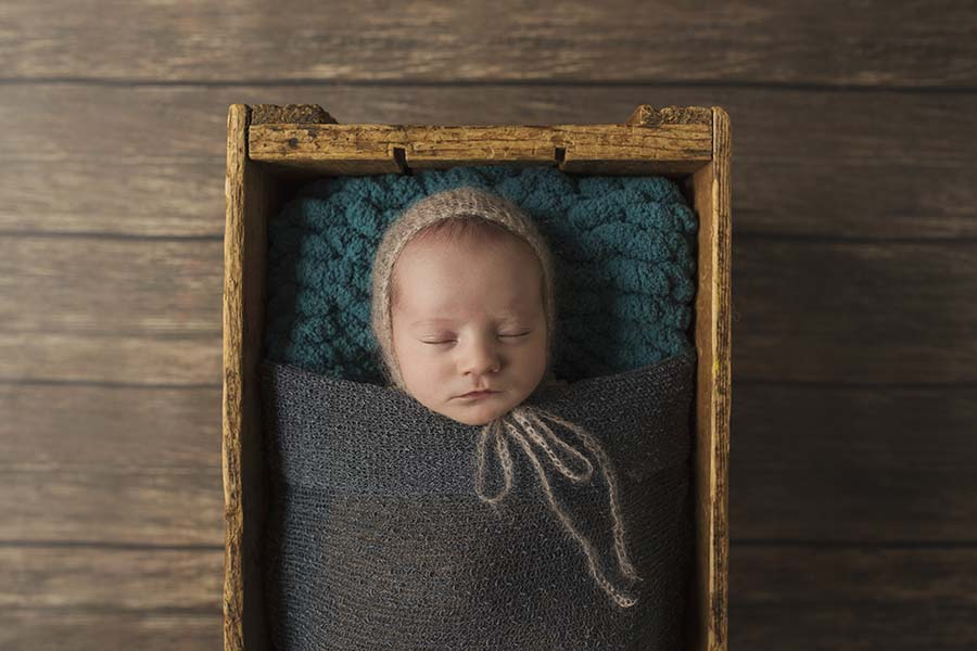 toronto-newborn-baby-photography-in-home-session