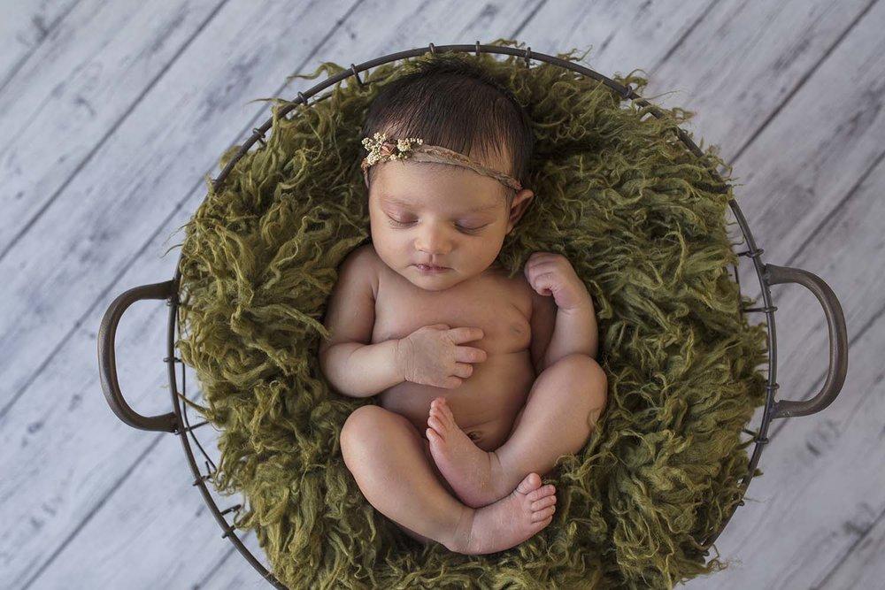 Newborn-baby-photography-toronto-copperred-photographer.jpg