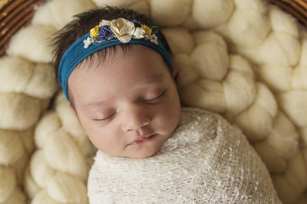 newborn-baby-photography-posing-copperred-photographer-toronto.jpg
