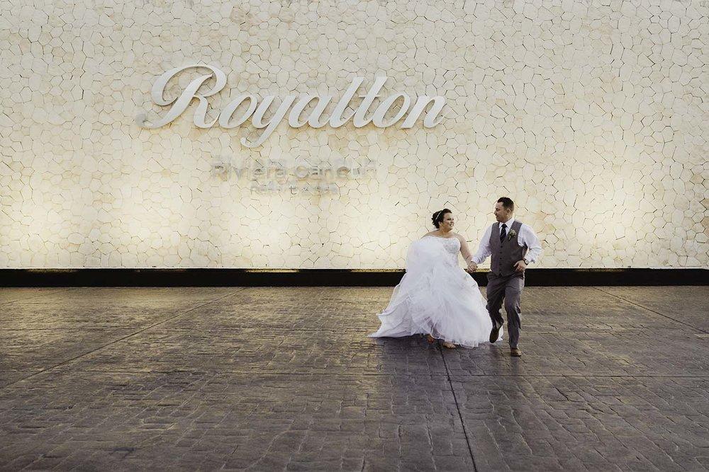 Copperred-photography-royalton-riviera-cancun-wedding-photos.jpg
