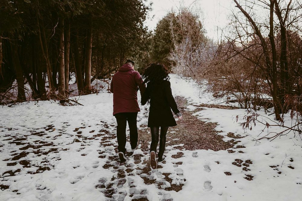 winter-engagement-photos-copperred-photography