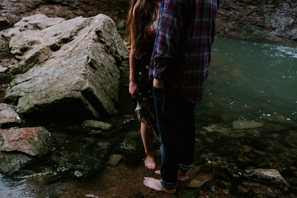 waterfall-engagement-photos-chedoke-copperred-photography.jpg