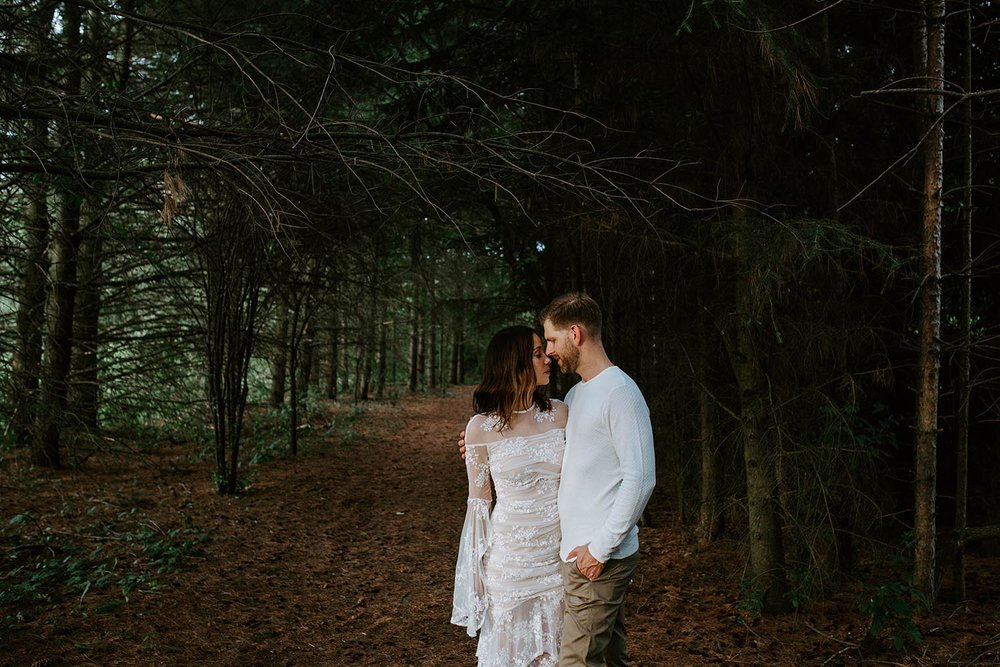 toronto-york-region-engagement-photographer-kortright-centre-copperred-photography.jpg