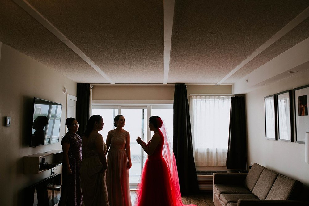 york-region-collingwood-wedding-photographer-copperred-photography-bridal-prep.jpg
