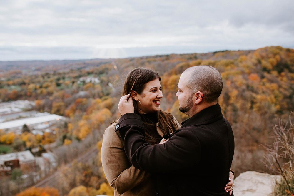dundas-peak-engagement-photos-fall-copperred-photography.jpg