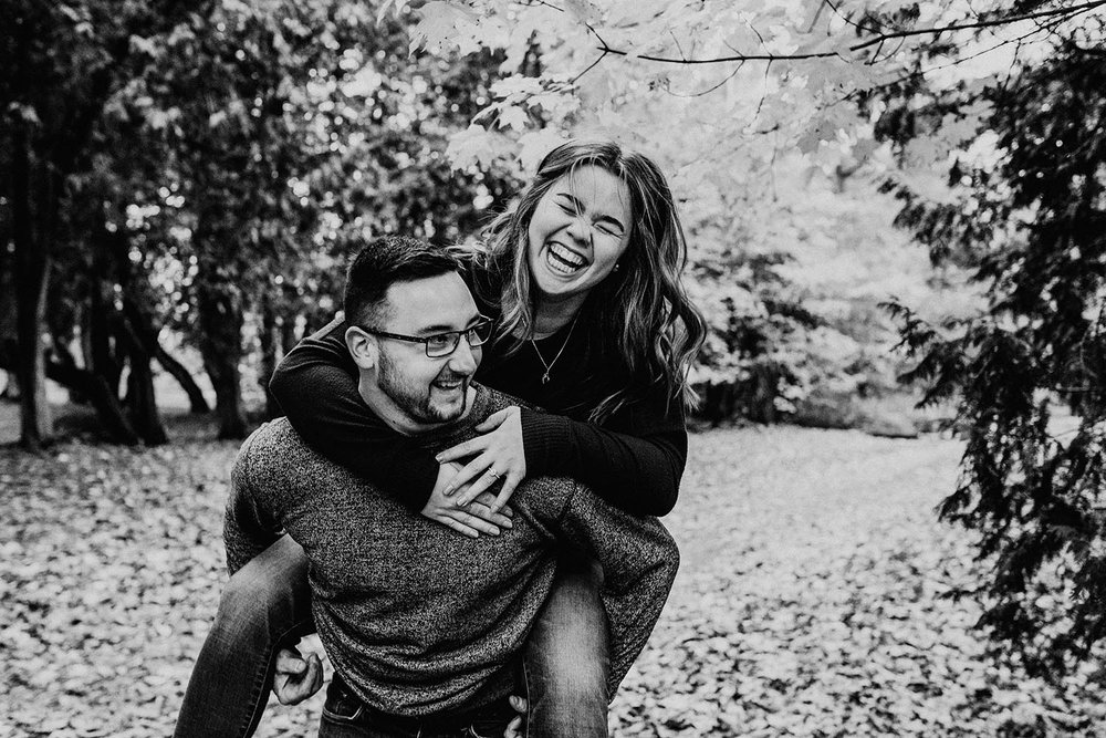 fall-engagement-photos-inspiration-copperred-photography.jpg